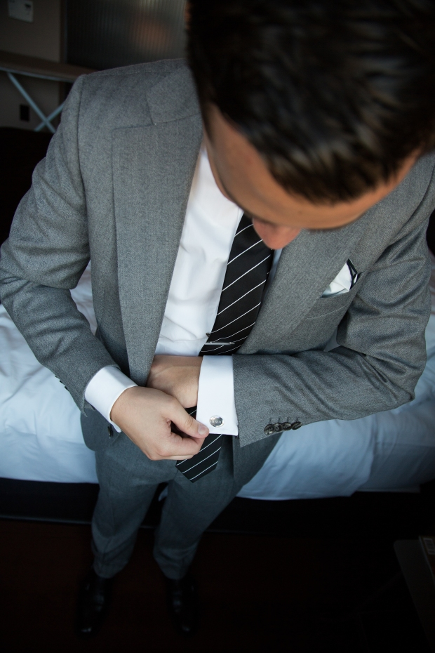 Groom Getting Ready | Affichomanie Blog